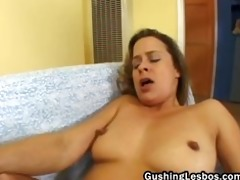 lesbo wench receives love tunnel drilled with