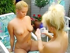 blond lesbo paramours