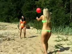lesbian teenies on the beach