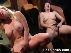 hawt blond kiss has an undeniable attraction