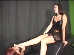 lesbo foot slave used by dominatrix-bitch