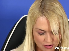 each inch of lesbians wet in void urine