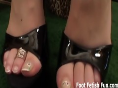 worship my feet and you&#088 ll receive a