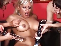 fuck machine in a lesbo gang b...