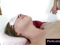 lesbo cookie licking after oily massage