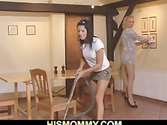 he is finds his gf toying his mamma