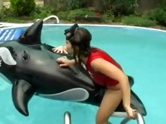 lesbo sex in the swimming pool