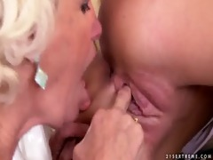 nelly sullivan lesbo sex with a excited granny